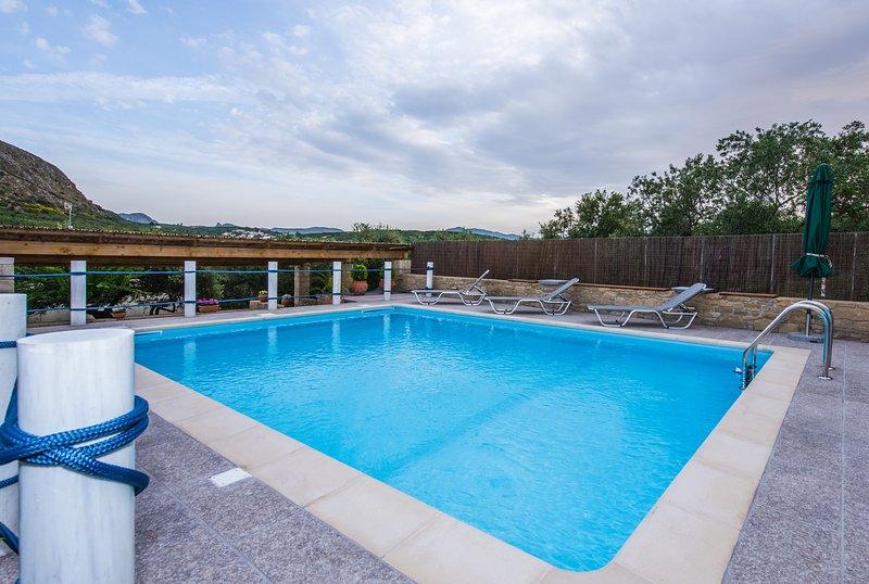 Villa Kera, holiday rental in Kakopetros