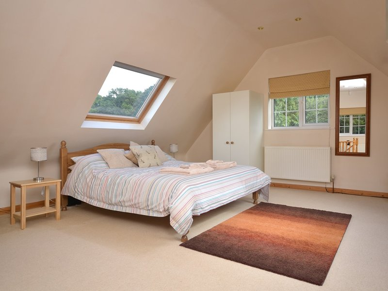 King-size bedroom