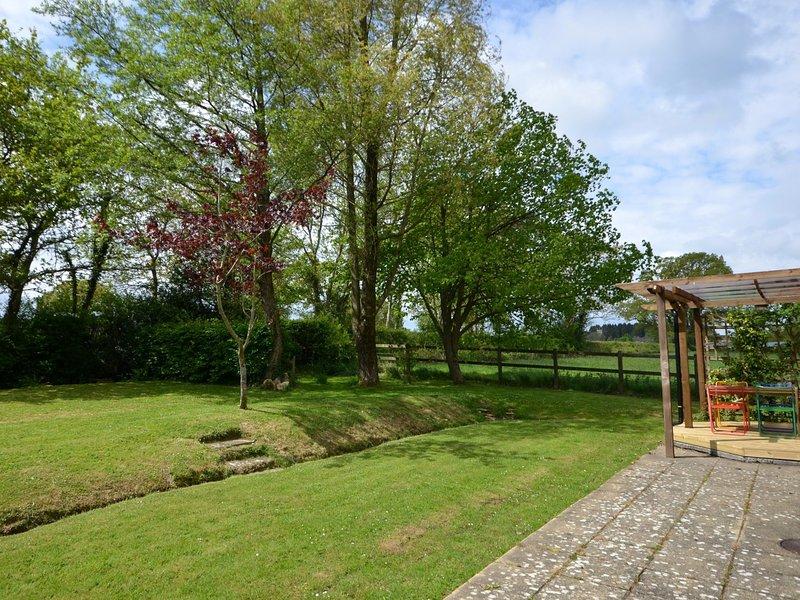 Jardín cerrado y con cubiertas
