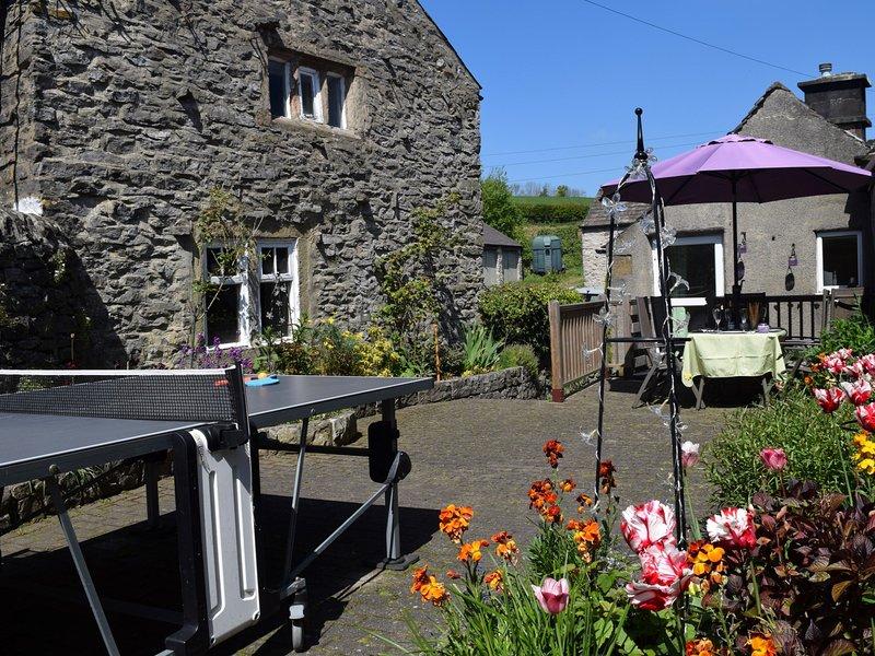 Charming detached stone built cottage