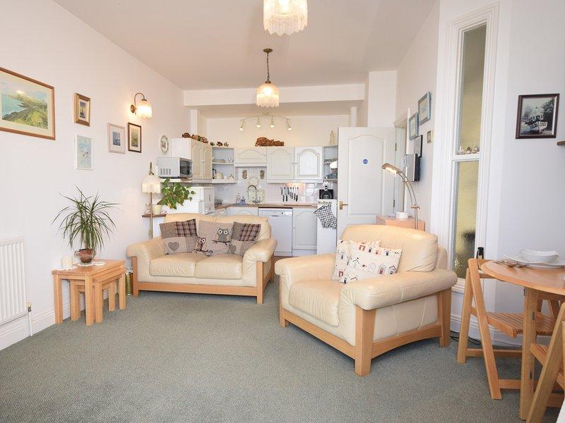 Open-plan lounge/kitchen/diner