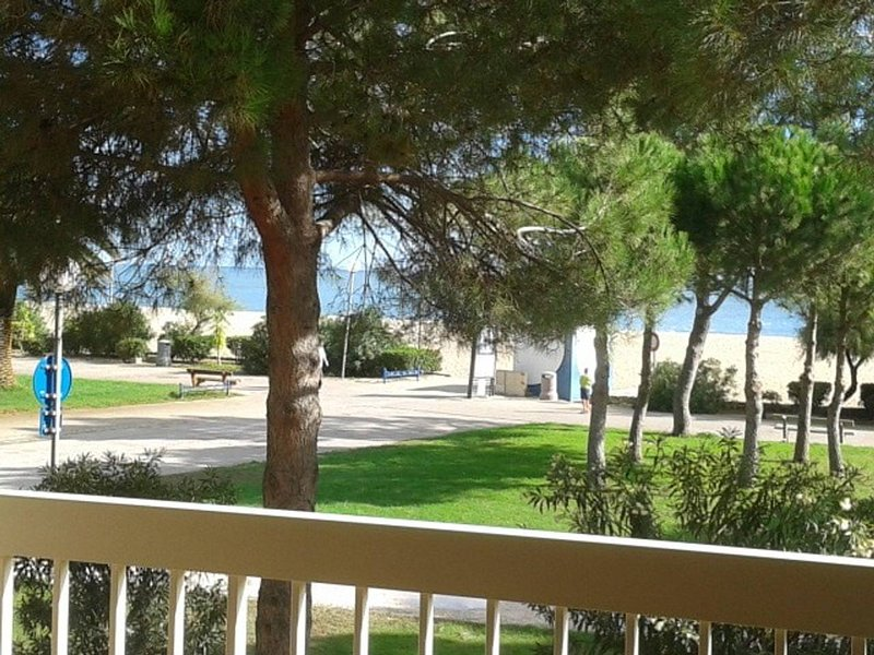 Amazing studio with sea view & Wifi, casa vacanza a Plage d'Argeles