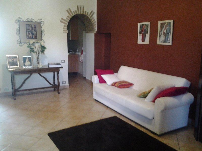Appartamenti tra le colline toscane a pochi km dal mare, holiday rental in Riparbella