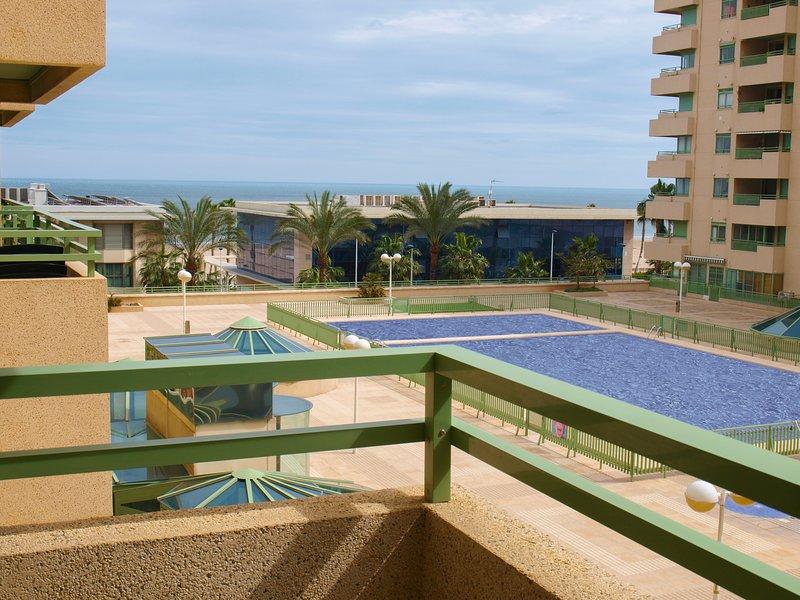 ApartUP Patacona Beach II. WiFi + Piscina + AACC, location de vacances à Masalfasar