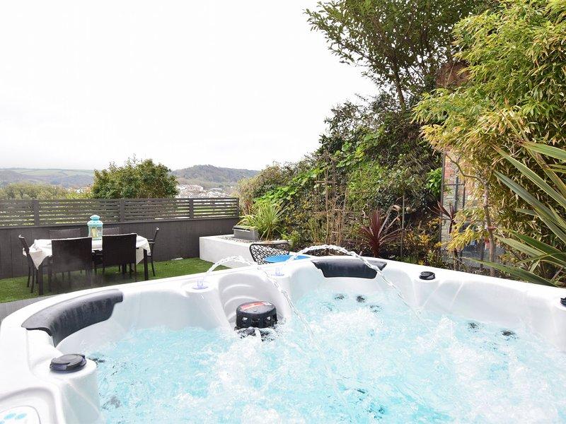 Sun terrace with hot tub