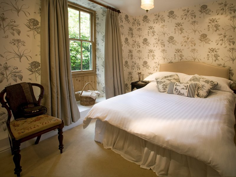 A pretty double bedroom