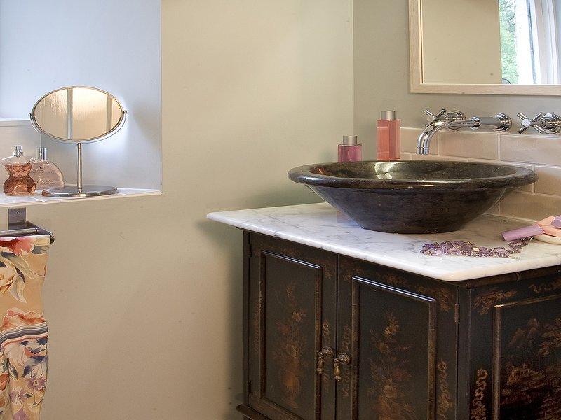 Pretty basin