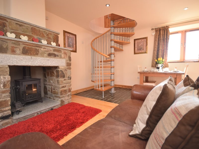 Cosy up by the woodbuner on cooler eveings