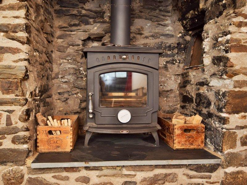 Godetevi il calore della stufa a legna