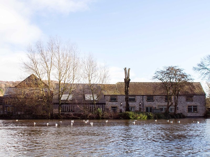 Nearby river walks a stones throw away