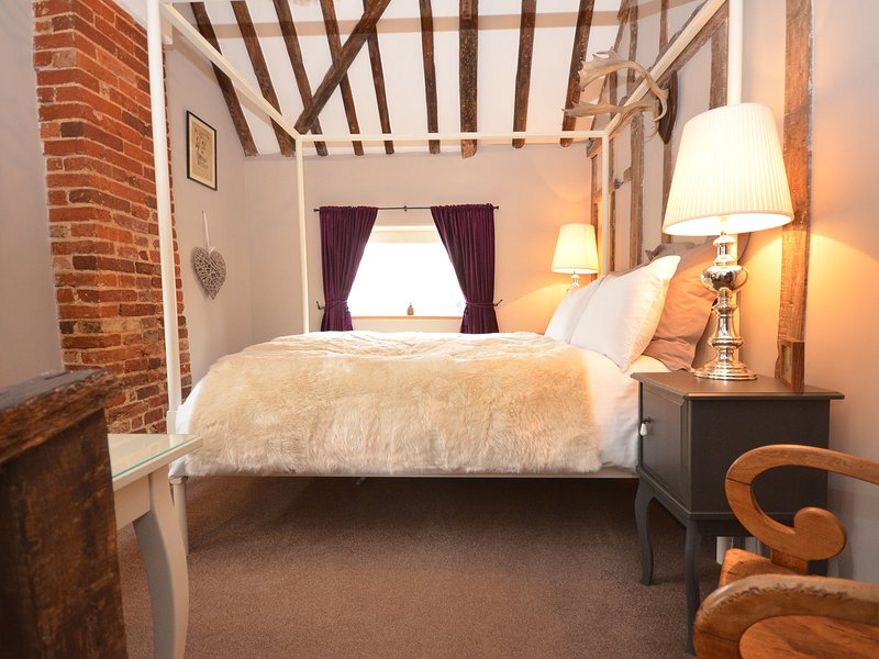 Charming Grade II listed cottage