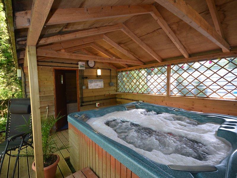 bañera de hidromasaje y sauna privada
