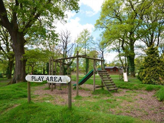 Area giochi per bambini in loco