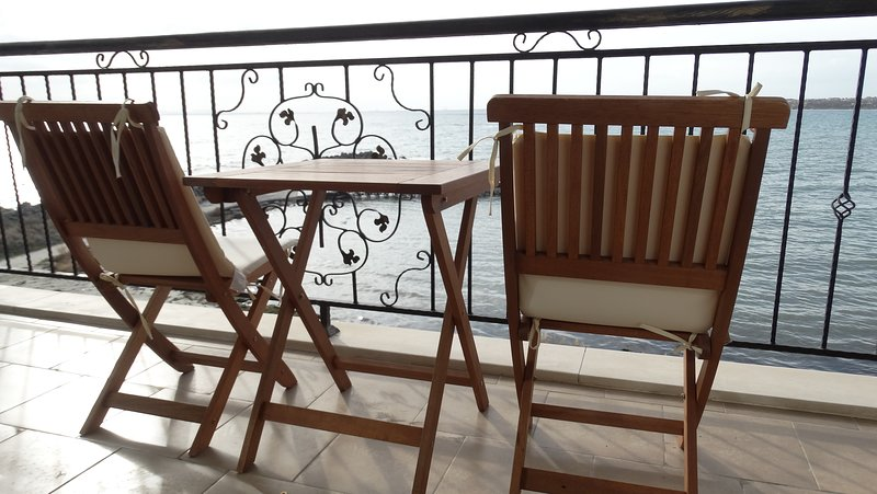Family Rooms with a Beautiful Sea View, vacation rental in Nessebar