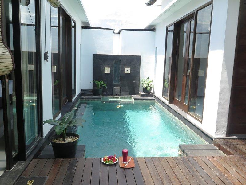 Villa Merpati (Private 2 Bedrooms Villa), holiday rental in Dangin Puri