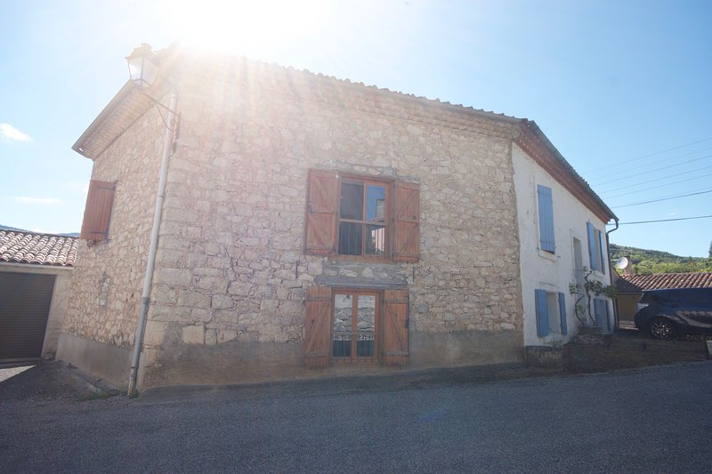 Gite in the lovely village of Puivert, vacation rental in Rivel