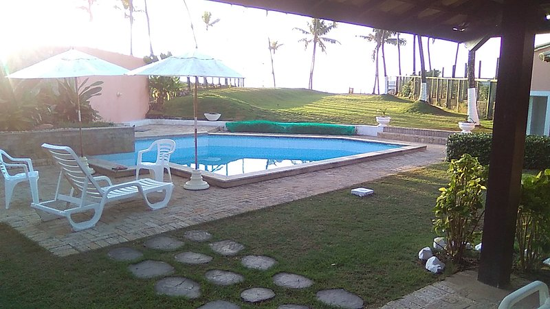Amazing villa with swimming-pool, vacation rental in Lauro de Freitas