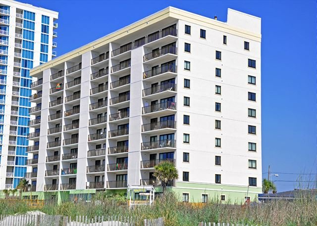 Oceanfront 3BR/3BA condo in Springs Towers in Cherry Grove Beach, vacation rental in North Myrtle Beach