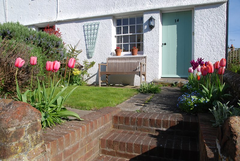 Period Cottage in Ideal Location, location de vacances à Partridge Green