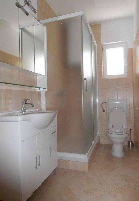 A1 (6 + 1): banheiro com vaso sanitário