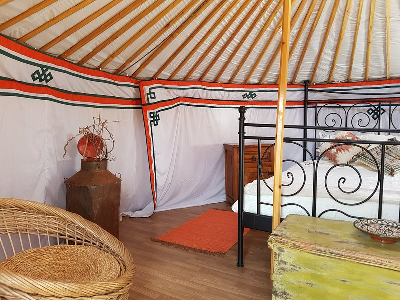 Musa YURT, vacation rental in Aljezur