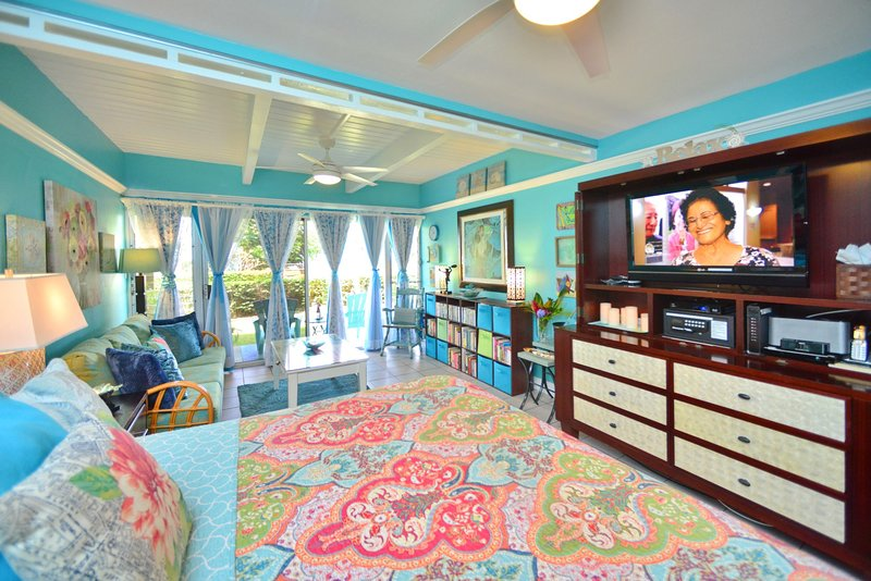 TRACY'S TROPICAL TREASURE #3 of 4: Studio (sleeps 4)! Voted #1 Rental in Maui, holiday rental in Kihei