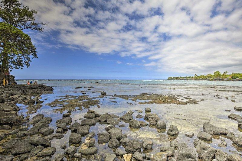 Easily walk to Magic Sands Beach Park 0.5 miles away!