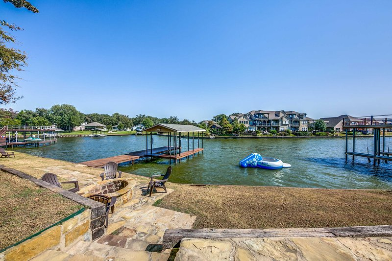 Terrific Cedar Creek Lake House W Fire Pit Private Dock Updated Interior Design Ideas Philsoteloinfo