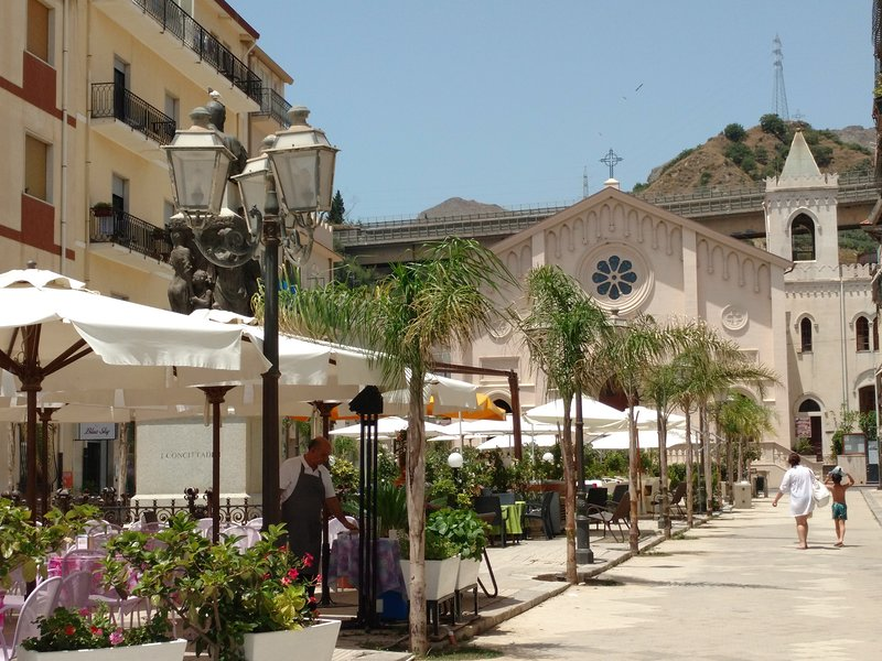 Piazza Durante, 10mts away from the apartment