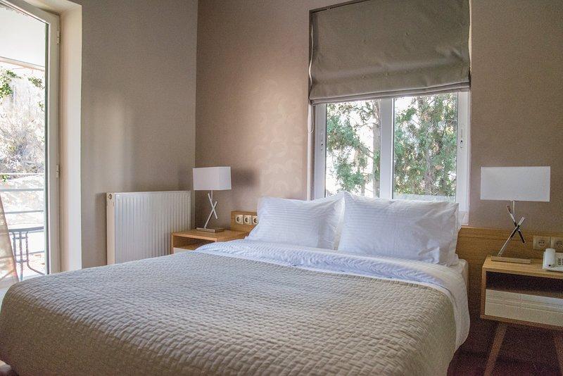 Premium room next to Leto, aluguéis de temporada em Neo Psychiko