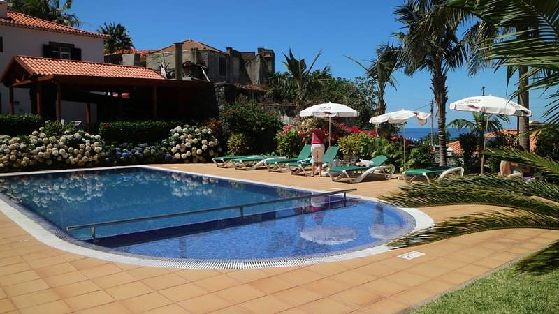 Nice studio with pool access & Wifi, vacation rental in Ponta Delgada