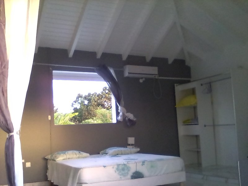Studio spacieux et calme, vacation rental in Gros Cap