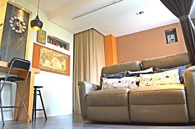 sala de estar amplia y acogedora