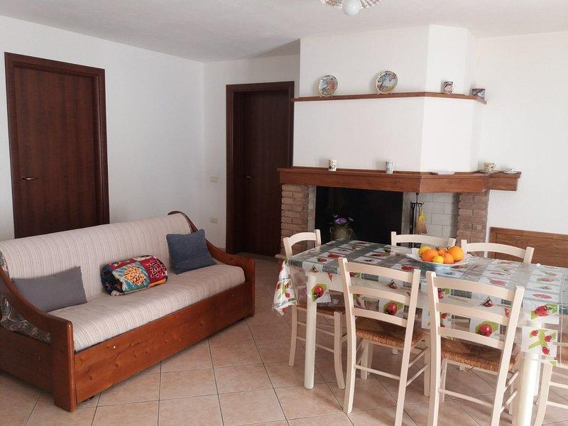 Beautiful apt with terrace & Wifi, alquiler vacacional en San Priamo