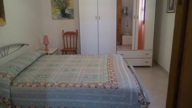 delizioso appartamentino, vacation rental in La Maddalena
