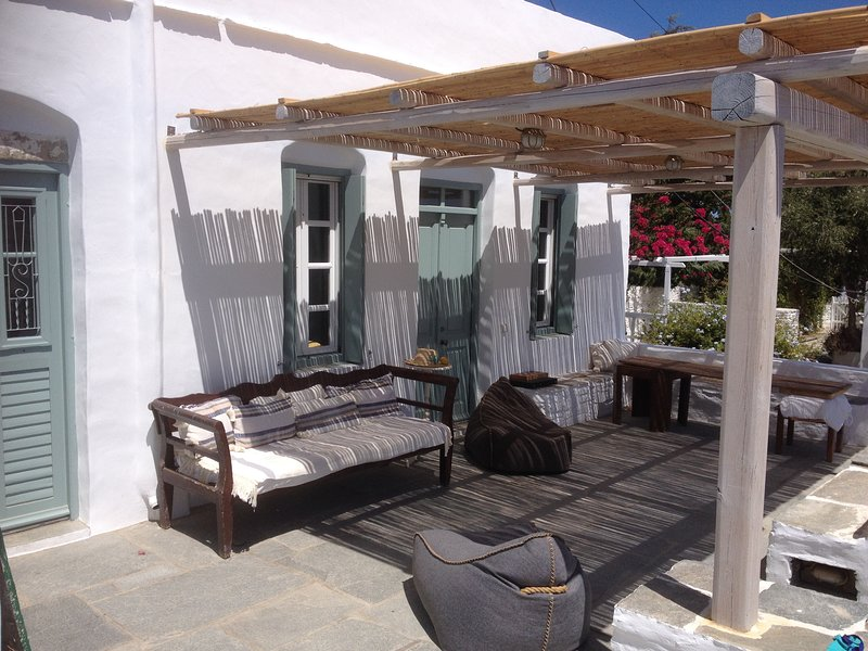 Charming house in the heart of Apollonia. Garden, Sea View, Mountain View