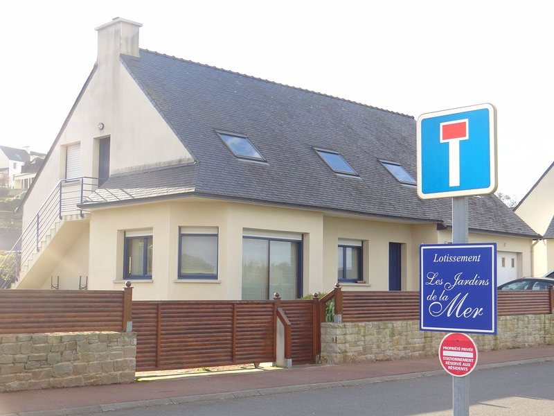 Holiday rentals .17 .Lotissement The Gardens Of The Sea ..29250 SAINT POL DE LEON.