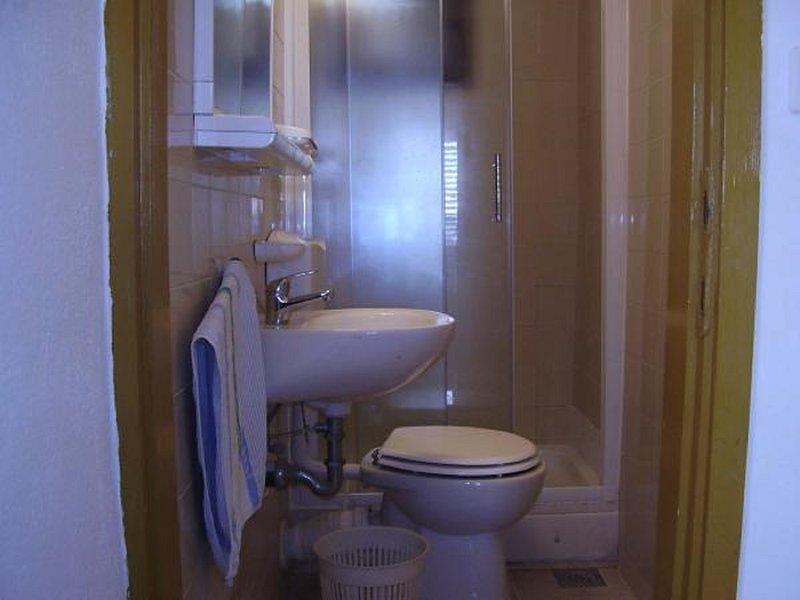 A4 (2 + 3): Bad mit WC