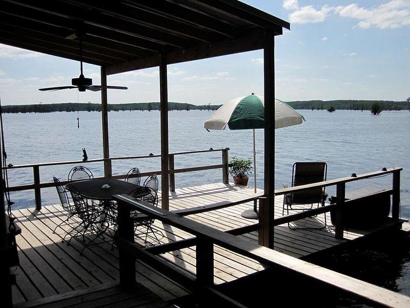 Gator Lodge, holiday rental in Greenwood