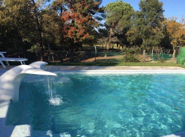 Casa con piscina privada para 14 personas. Caldes-Girona-Costa Brava, holiday rental in Cassa de la Selva