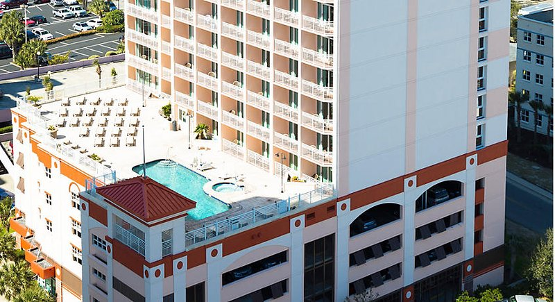 Carolina Grande -View of 6th Floor Pool and Hot Tub Area
