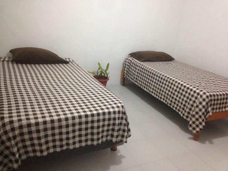 Simple room 'Cuartos Maria Bonita', holiday rental in Calderitas