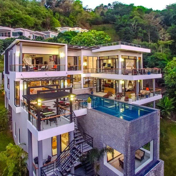 Grand Villa Luxury Time Phuket, holiday rental in Bang Tao Beach