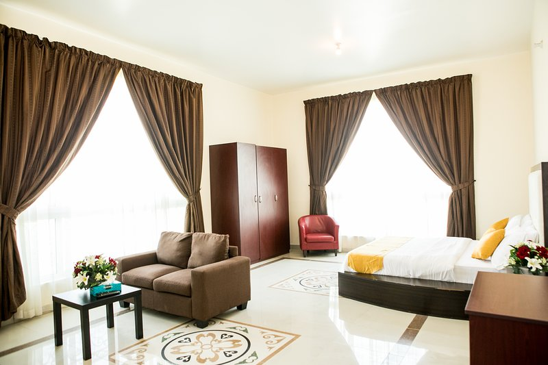 Amazing Fully Furnished Studio, holiday rental in Abu Dhabi