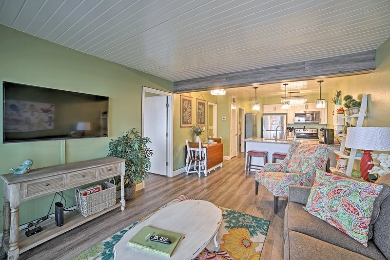Explore the best of Branson West when you stay at this 2-BR, 2-BA vacation rental condo!