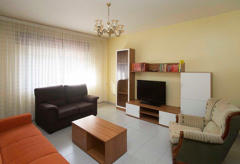 Apartamento a 5 min. de la pla, holiday rental in Castrelo