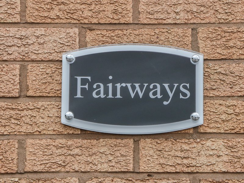 FAIRWAYS, local attractions, situated on golf course, in Prestatyn, location de vacances à Ffynnongroyw