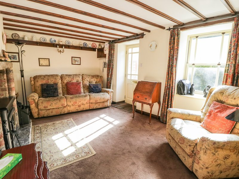 STONECROFT, 18th century cottage, pet friendly, wi-fi. Ref: 972350, location de vacances à East Witton