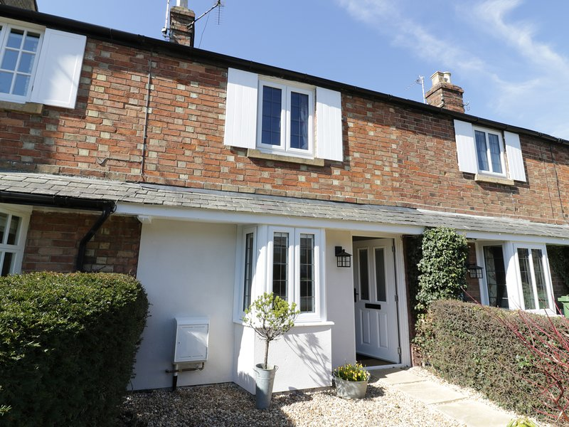 MAY COTTAGE, En-suite, exposed beams, WiFi, in Broadway, Ref. 972143, vakantiewoning in Willersey
