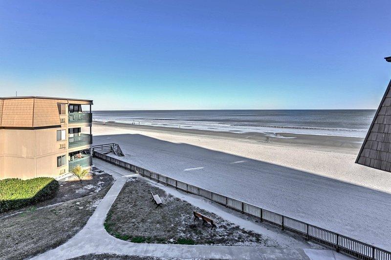 Desfrute de vista para o mar de tirar o fôlego neste condomínio Casas de Myrtle Beach!